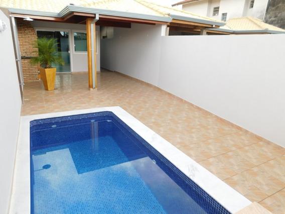 Casa Com Piscina Disponível Para Venda Na Praia De Peruíbe.