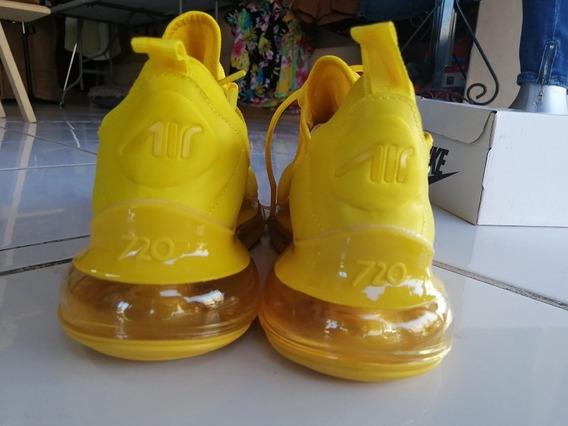 Teni Nike Amarillo