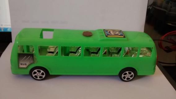 Miniatura De Onibus Fricção Verde 18 Cm