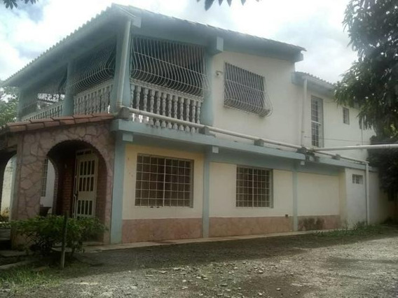 Casa En Venta Zona Norte Barquisimeto Lara 20-2121 Rahco