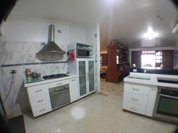 Venta Casa En La Urb. Mérida, Esquinera Con Gran Potencial