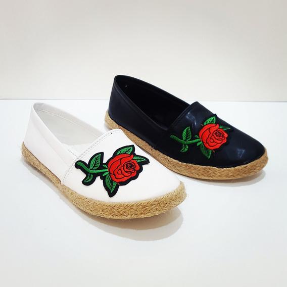Zapato Tipo Valerina, Con Flor Bordada.