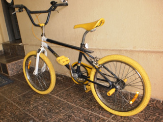Antiga Bicicleta Caloi Cross Aro 20. Mod Colorfree. Linda