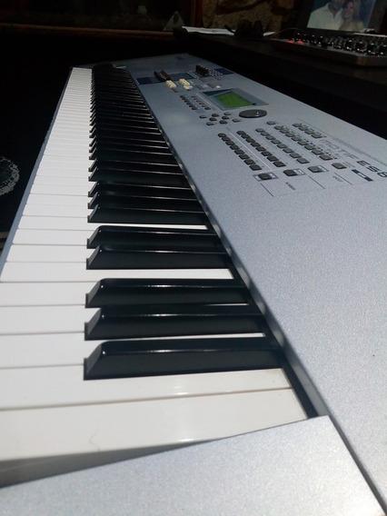 Motif Es8 Usado - Pianos, Órgãos e Teclados, Usado no