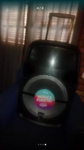 Parlante 5000wts. Bluetooth Microf Entrada P Guitarra Y Mas