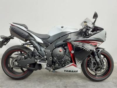 Yamaha R1 2013