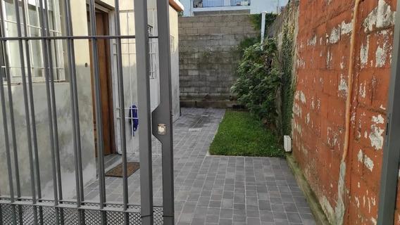 Casa De 2 Dorm A Mts De Av Italia Y La Rambla, Buena Zona