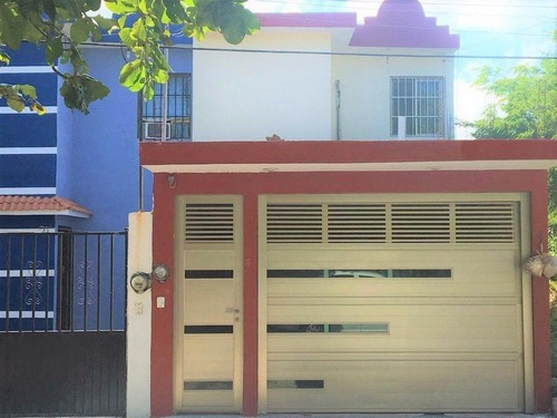 Casa En Venta En Fracc. Villa Rica. Boca Del Río, Ver.