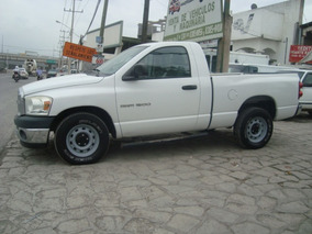Dodge Ram 1500 Pickup 6-cil, Estandar