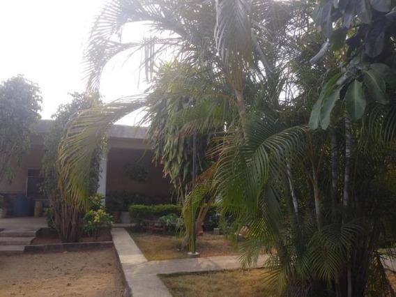 Casa En Venta En Yaritagua 0412-6442375 Cod 19-8531