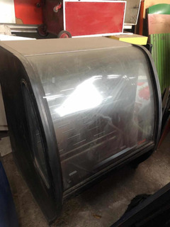 Torrey Tem100n Vitrina Exhibidora Vidrio Curvo Color Negro