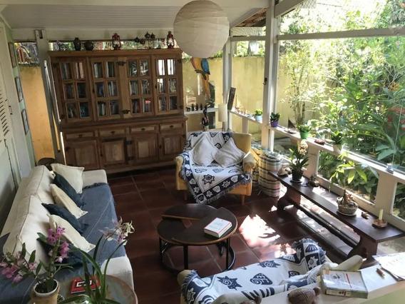 Casa 2 Quartos Ilhabela - Sp - Agua Branca - Ag064