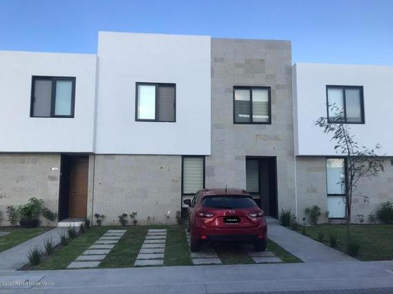 Casa En Renta En Altos De Juriquilla, Queretaro, Rah-mx-21-373