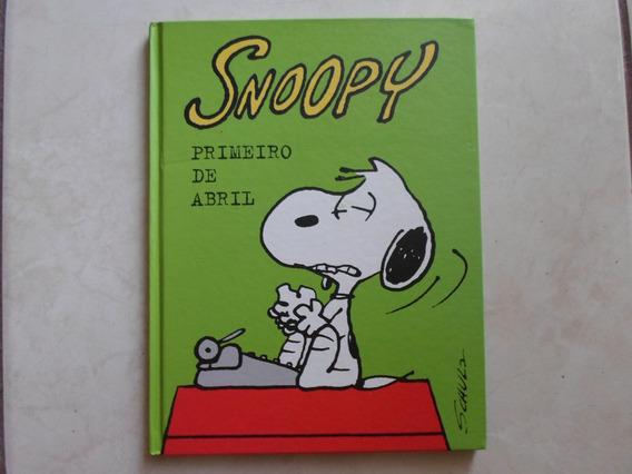 Hq Snoopy Primeiro De Abril Capa Dura (f. Grátis)