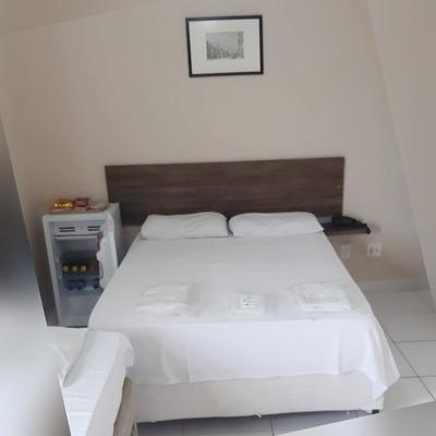 Hospedagem Em Hotel, Praia Em São Vicente Sp.