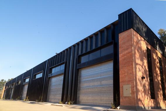 Nave Industrial 2.100 M2 En Alquiler En Pilar