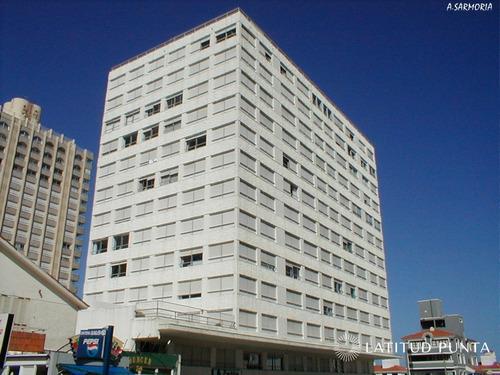 Apartamento En Península- Ref: 826