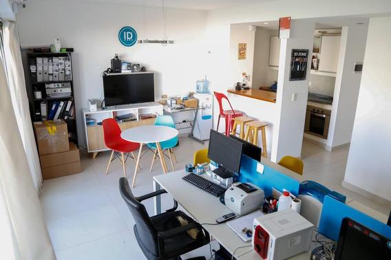 Venta De Departamento Con Terraza, Parrilla Y Cochera En Moderno Edificio Apto Profesional