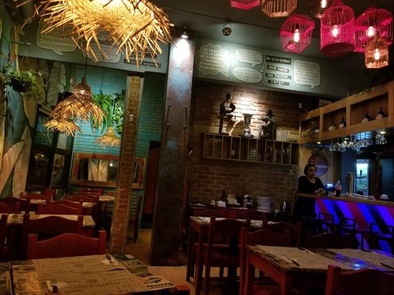 Llave En Venta De Bar Restaurante Frente A Sanatorio!!!