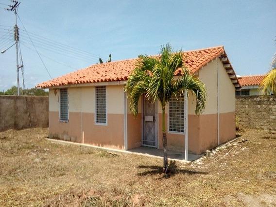 Conjunto De Dos Casas De 75 M² Terreno De 820m, Rio Chico