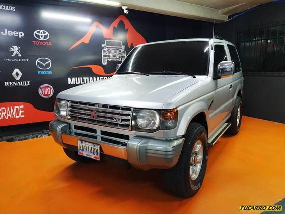 Mitsubishi Montero .