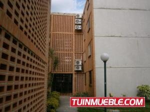 Apartamento En Venta En El Tulipán Valencia 19-10104 Valgo