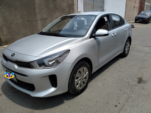 Auto Kia Rio Plata 2018 - $ 12100 Dolares A Tratar