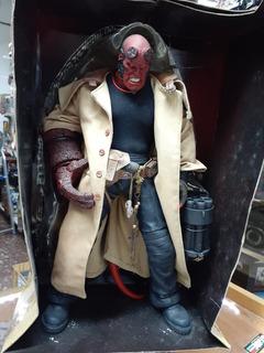 Figura Mezco Hellboy 2 Deluxe 45,5cm 18