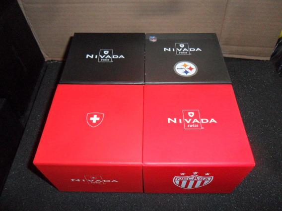 Estuche Reloj Nivada Rojo Y Negro Cuadrado Usado $175pesos