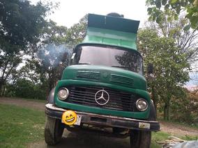 Volqueta Mercedes 1982