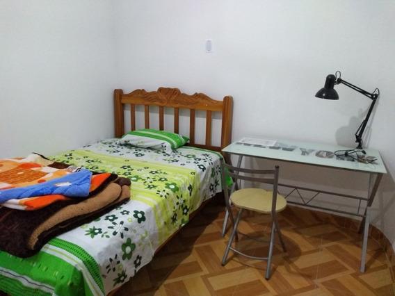 Alquilo Dormitorio Privado Amoblado.
