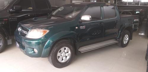 Toyota Hilux 3.0 Srv Aut 4x4. Año 2005