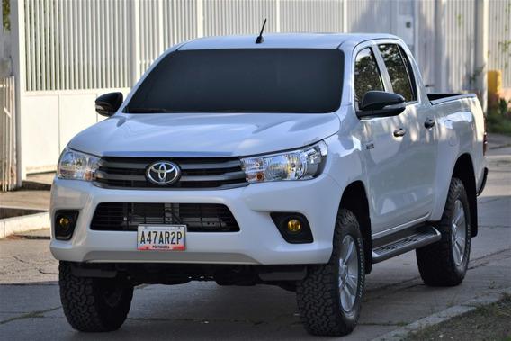 Toyota Hilux 2017 Dubai 2.7l Sincrónica