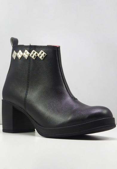 Zapatos Negros Con Taco / Tachas / De La Cruz