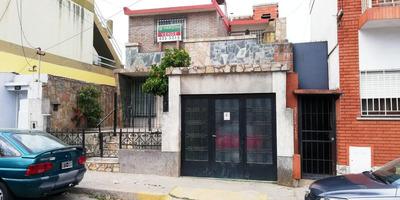 Casa De 4 Dormitorios Con Cochera En Arroyito