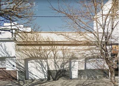 Casa En Venta La Plata Calle 69 E/ 6 Y 7 Dacal Bienes Raices