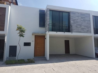 Casa En Renta En Rinconada Del Bosque, Zapopan