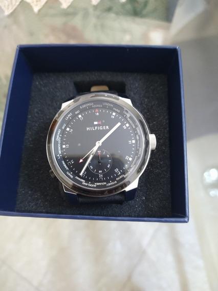 Relógio Tommy Hilfiger - Modelo: 1791552 - Couro Preto