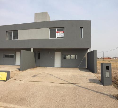 Excelente Duplex- 3 Dormitorios- Galeria. 3 Baños