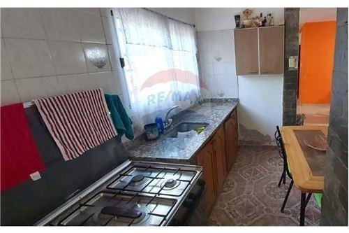 Venta- Duplex Tipo Casa 4 Dorm Quincho Bº Canal V