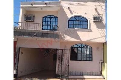 Amplia Casa De 6 Habitaciones Con Recamara En Planta Baja