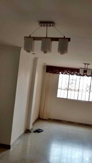Hermoso Apartamento En Barrio Delicias