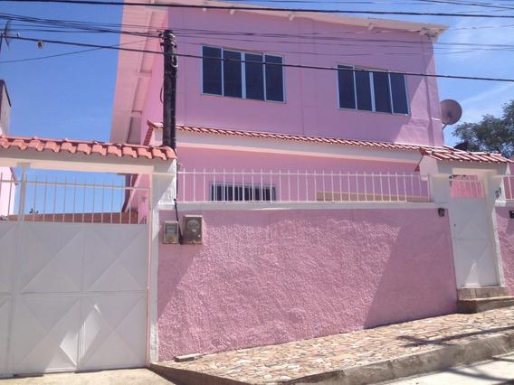 Casa Linda E Ampla, 3 Quartos, Suite, Garagem Enorme.