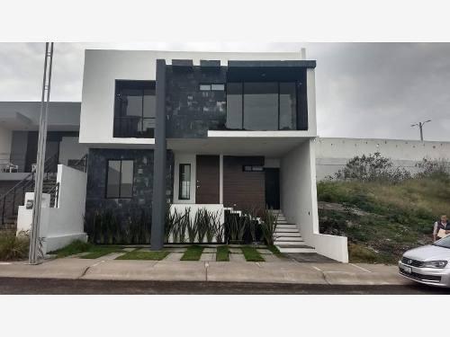 Casa En Privada Venta Zibata Roof