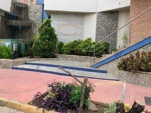Apartamento En Venta Valle Blanco, Valencia Cod 20-14398 Ddr