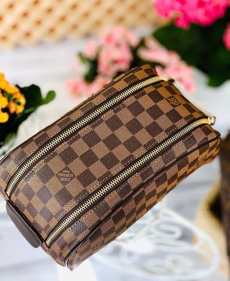 Neceser Louis Vuitton - Supreme