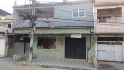Prédio Composto Por 4 Casas.