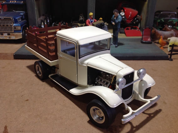 Miniatura Road Legends 1/18 Pick Up Ford 1934 - Magnifica!