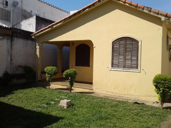 Casa No Centro De Araruama - 2 Quartos - Ca00088