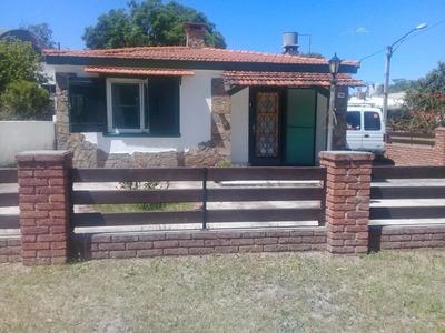 Alquilo Febrero/marzo Casa En Los Titanes A 2 Cuadras De La